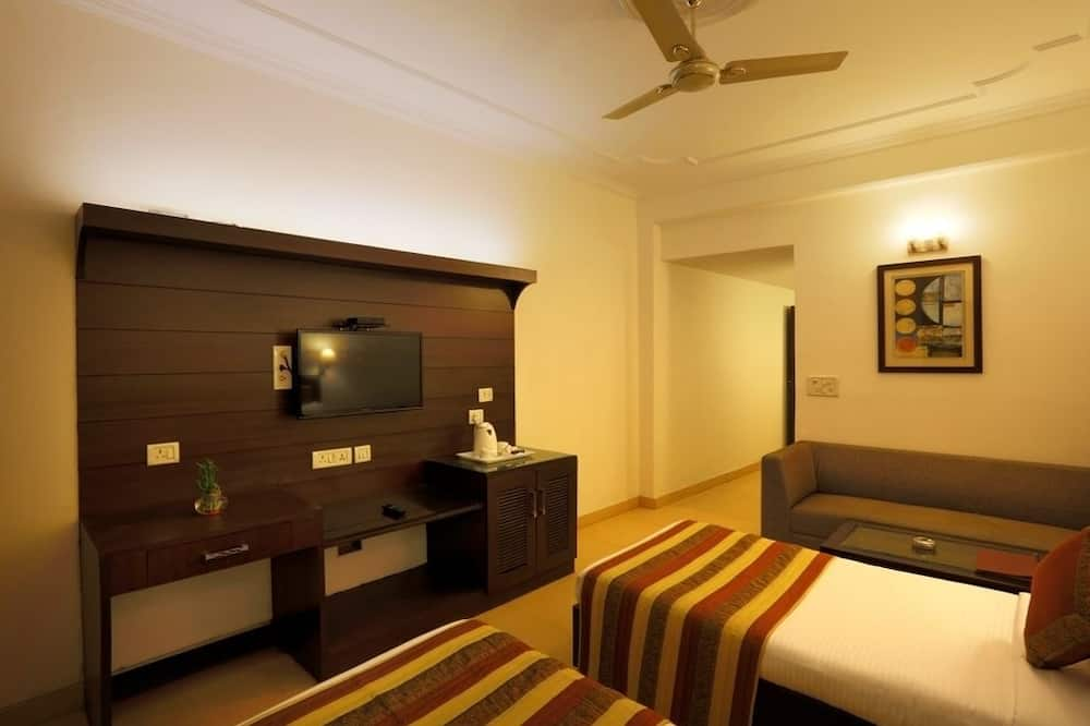 Executive Room, 1 Double Bed - Living Room
