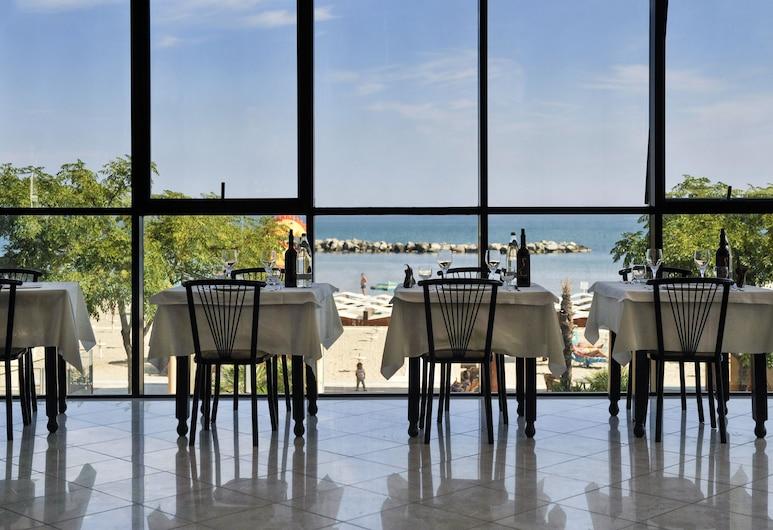 Milano Resort, Bellaria-Igea Marina, Spisning