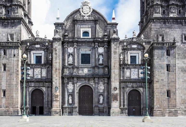 One Puebla Finsa, Cuautlancingo, Exterior