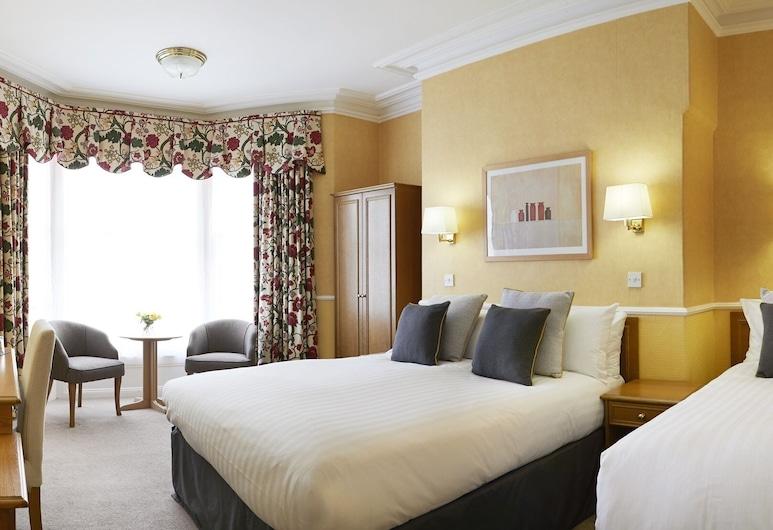 Riviera Town House, Scarborough, Classic Suite, Ensuite (2 adults & 1 Child), Guest Room