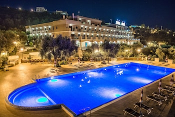 Enter your dates to get the Vieste hotel deal