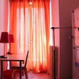 Trivietis kambarys, bendras vonios kambarys - Svetainės zona