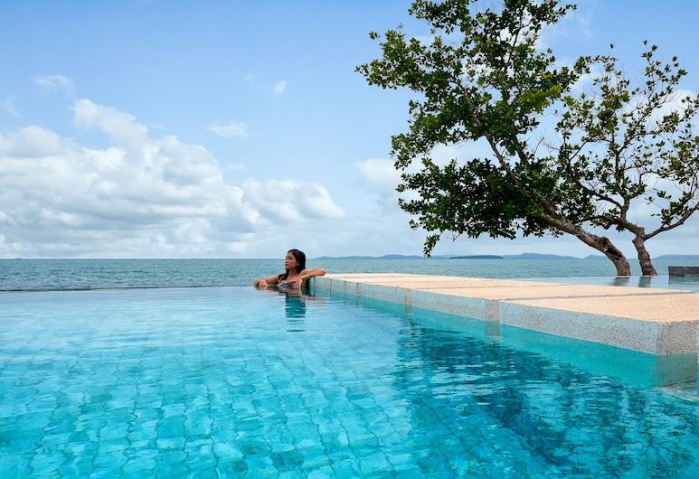 Independence Hotel Resort & Spa, Sihanoukville, Infinity-Pool