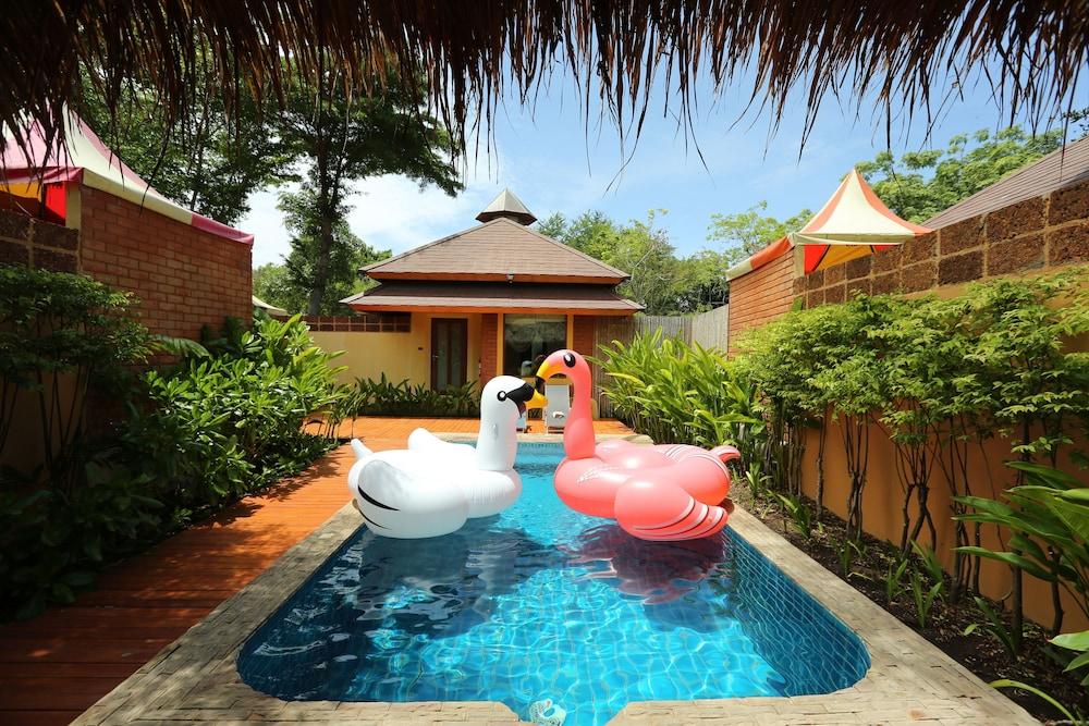 ChiCChiLL @ Eravana, eco-chic pool-villa, Pattaya, Pattaya