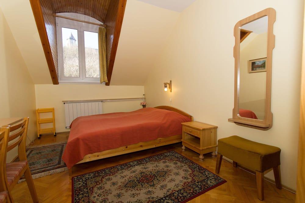 Economy - kahden hengen huone, Jaettu kylpyhuone - Näköala mäelle
