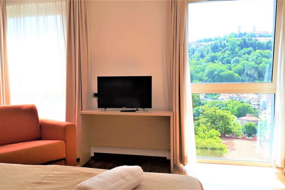 غرفة ثلاثية - منظر للتل - غرفة نزلاء