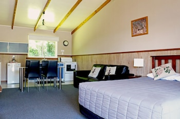 Picture of Fairy Springs Motel in Rotorua