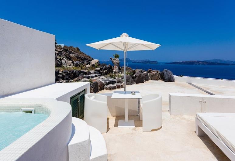 Avant Garde Suites, Santorini, Deluxe Suite, Hot Tub, Sea View, Terrace/Patio