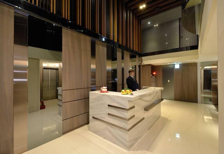 Regal Executive Suites, Taipei, Receptie