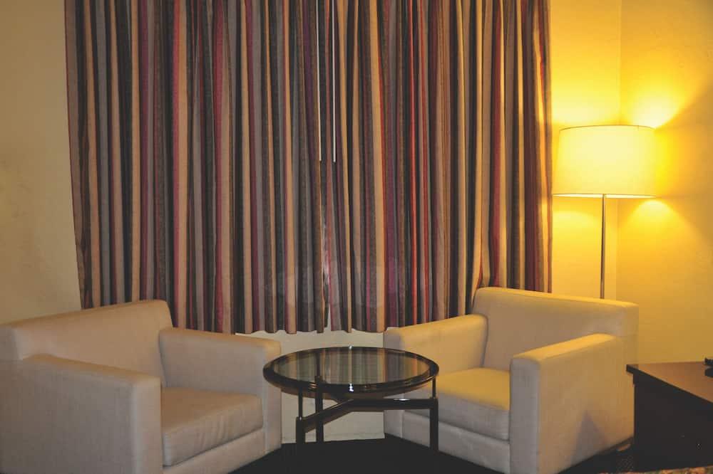 Standard szoba, 1 king (extra méretű) franciaágy - Nappali rész