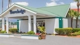 Reserve this hotel in Lakeland, Florida
