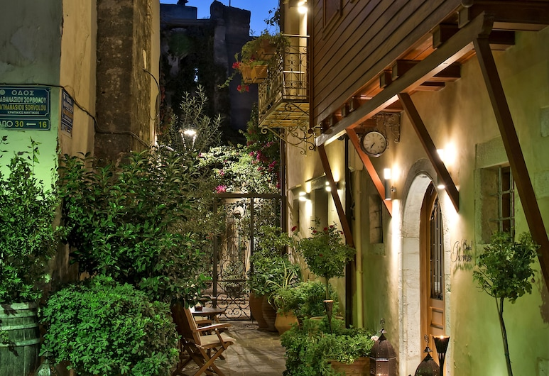 Ionas Boutique Hotel, Chania, Hotel Front – Evening/Night