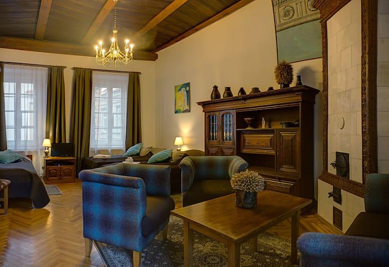 Bernardinu B&B House, Vilnius, Triple Room, Private Bathroom, Guest Room
