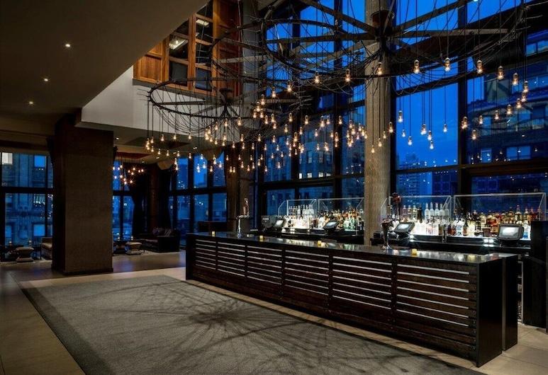 Royalton Park Avenue, Nova York, Bar do hotel