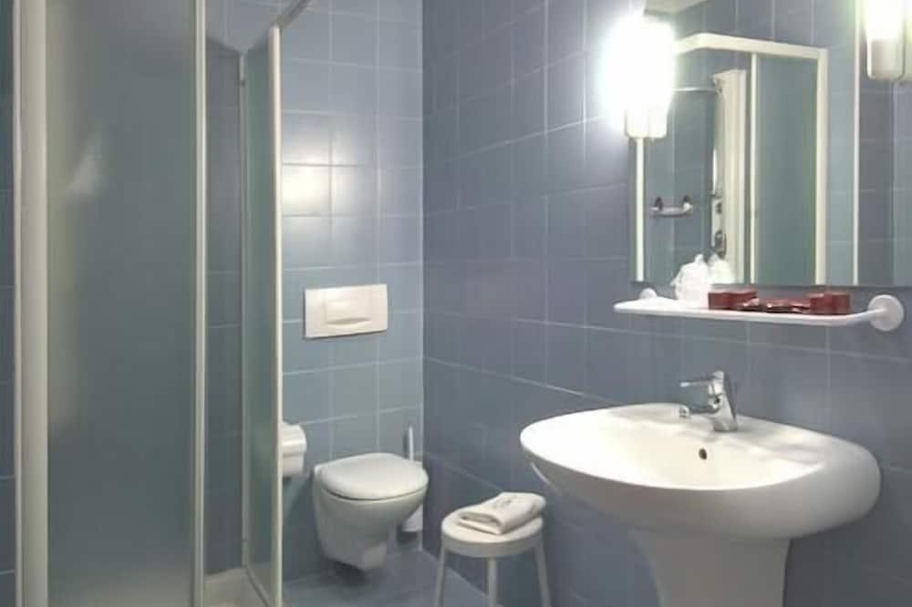 חדר, מיטה זוגית - חדר רחצה