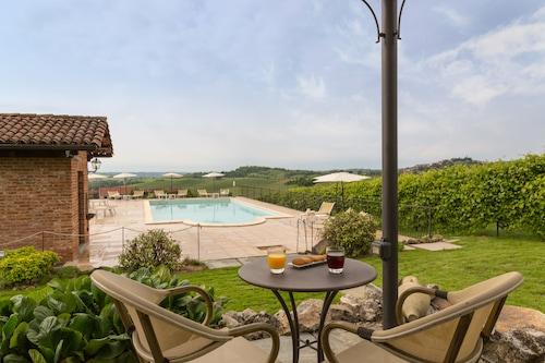 拉薩諾城堡原創之家飯店