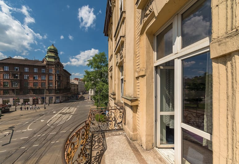 Hostel 70s and Queen Apartments, Krakow, Hotellinngang