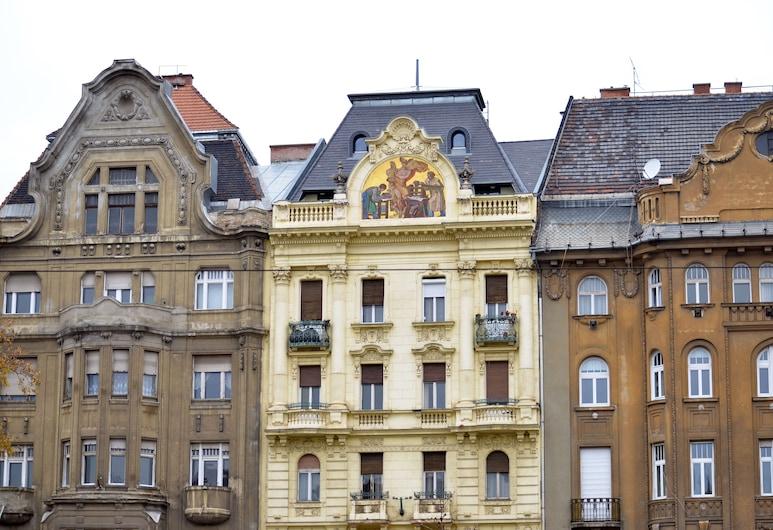 Central Square Apartments, Budapeszt, Wejście wewnętrzne