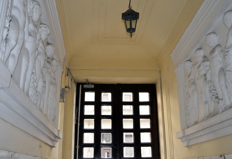 Luxury Style Apartments, Budapešť, Vchod do hotela