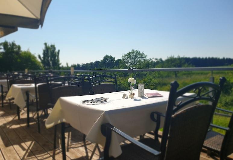 Klostergasthof Roggenburg, Roggenburg, Terrasse/Patio
