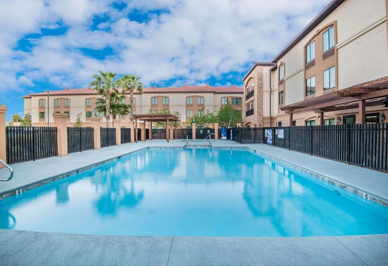 La Quinta Inn & Suites by Wyndham Las Vegas Airport South, Las Vegas, Pool