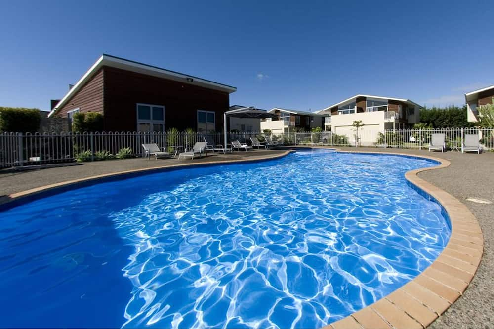 室內/室外游泳池