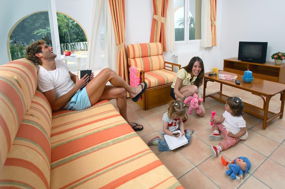 Three Bedroom Bungalow (7 adults or 6 adults + 1 child) - Lõõgastumisala