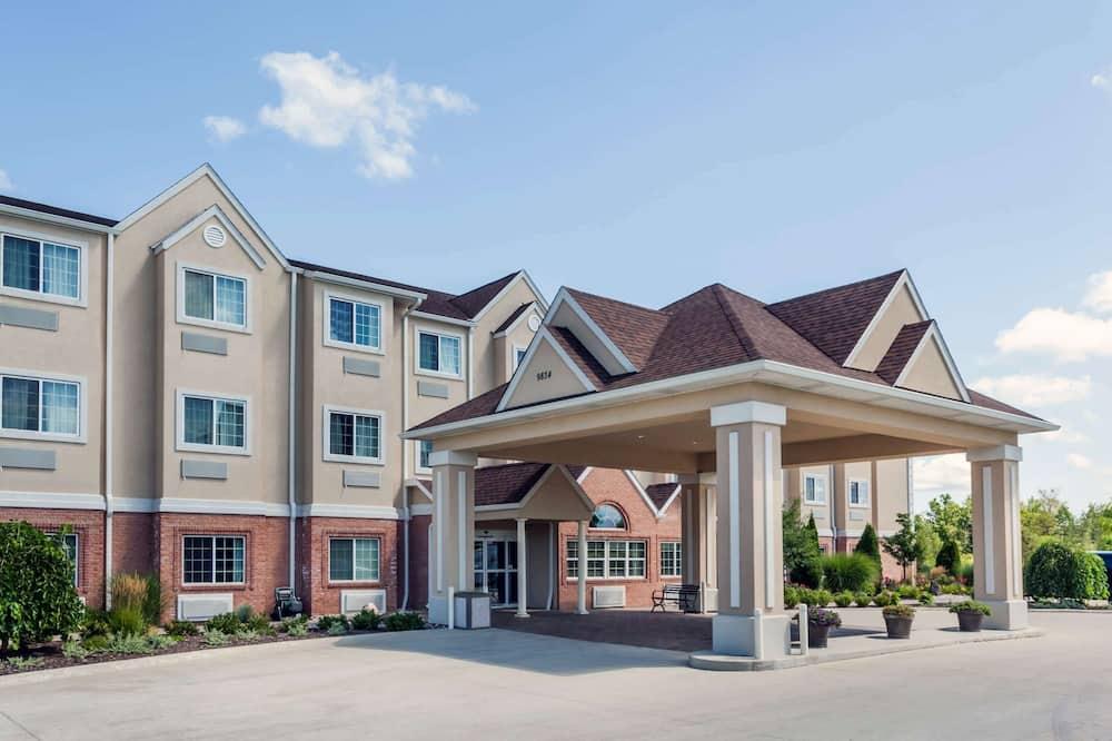 Microtel Inn & Suites by Wyndham Michigan City