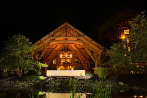 霍普湖畔小屋酒店及室內水上樂園/