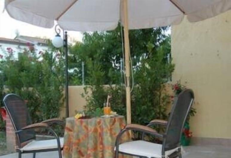 Hotel Villa Primavera, Pisa, Restaurante al aire libre