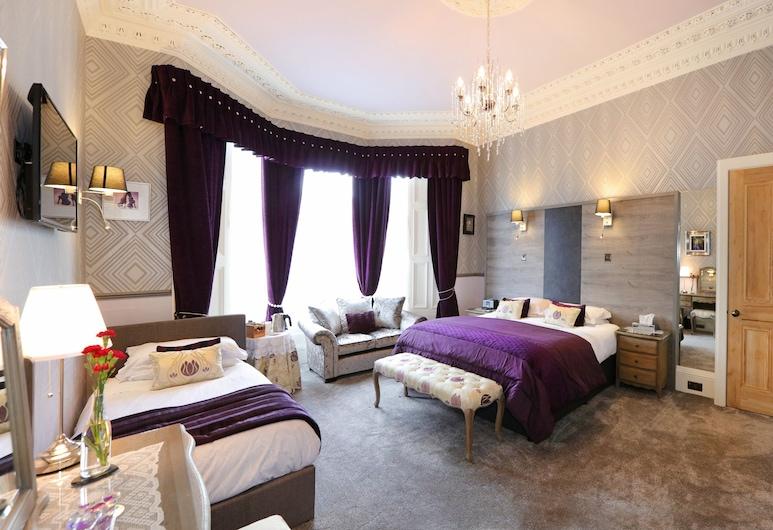 Lauderville Guest House, Edinburgh, Luxury Triple Room, Guest Room