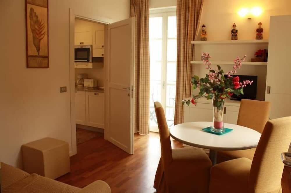 Διαμέρισμα, 1 Υπνοδωμάτιο, Θέα στη Λίμνη (4 Adults) - Γεύματα στο δωμάτιο