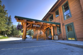 Picture of Overlander Mountain Lodge in Jasper East