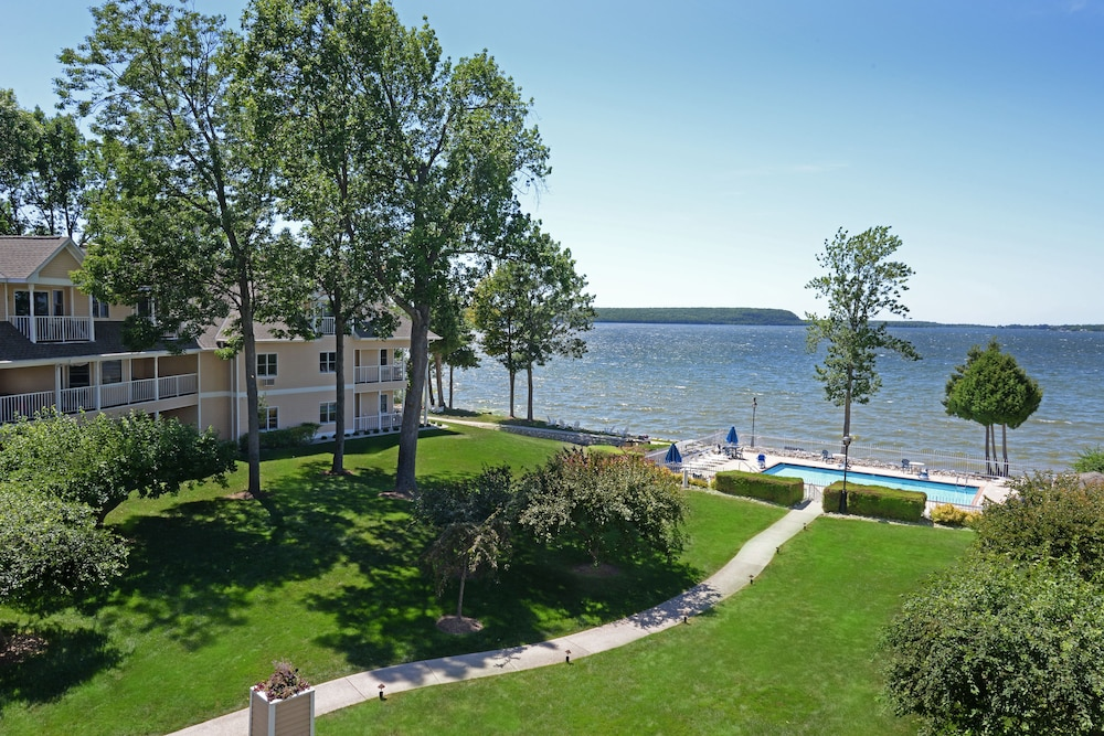 Westwood Shores Waterfront Resort, Sturgeon Bay