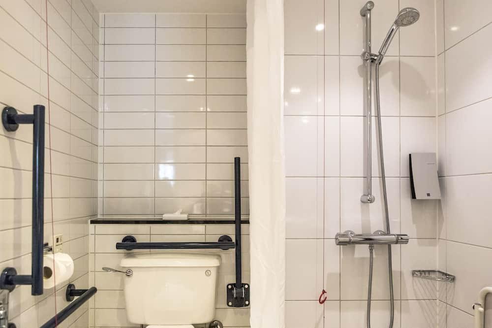 Room, 1 Double Bed, Accessible, Non Smoking (Wheelchair) - Bathroom