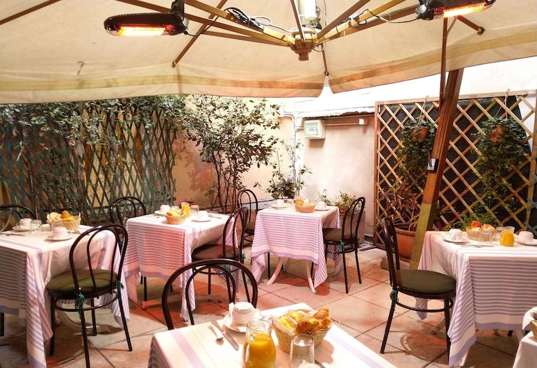 Hotel Torcolo, Verona, Teras/Patio