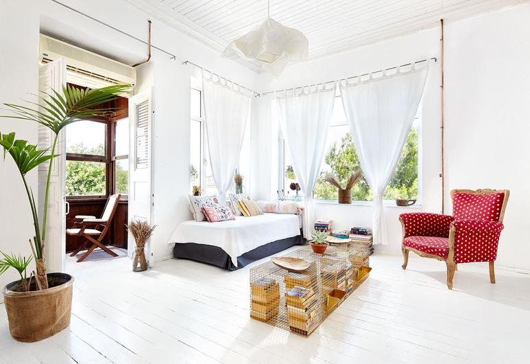 Sudan Palas - Guest House, Çeşme, Sudan Home, Oturma Odası
