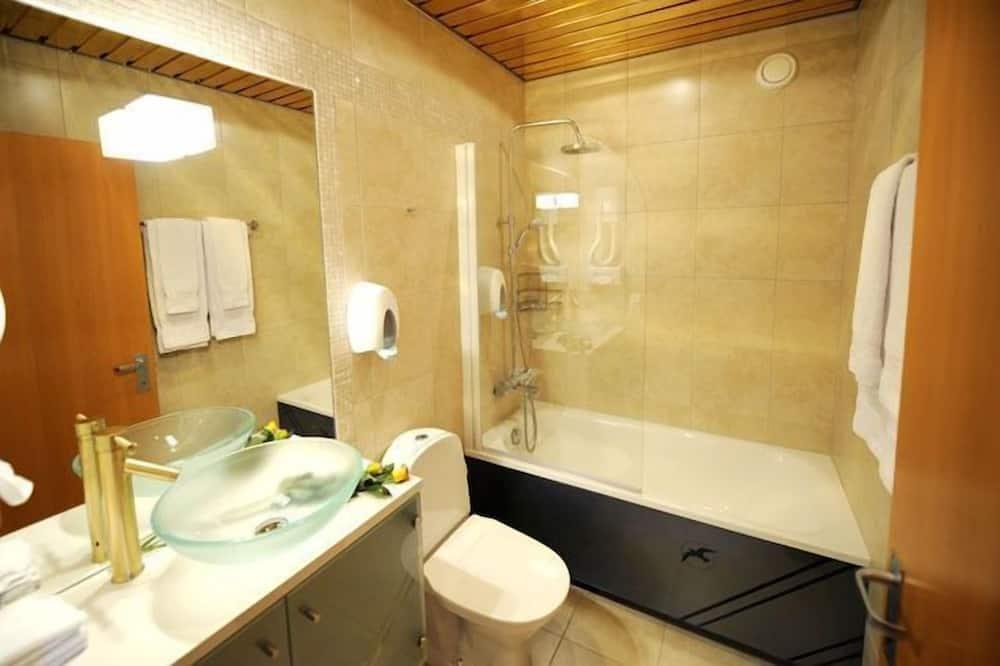 Twin Room, Shared Bathroom - Shared bathroom