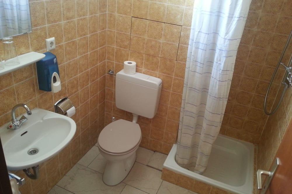 Habitación básica doble, baño compartido - Cuarto de baño
