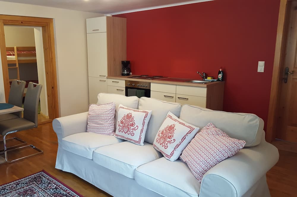 Comfort Apartment, 2 Bedrooms - additional end of stay cleaning fee €45 - payable at the hotel - Living Area