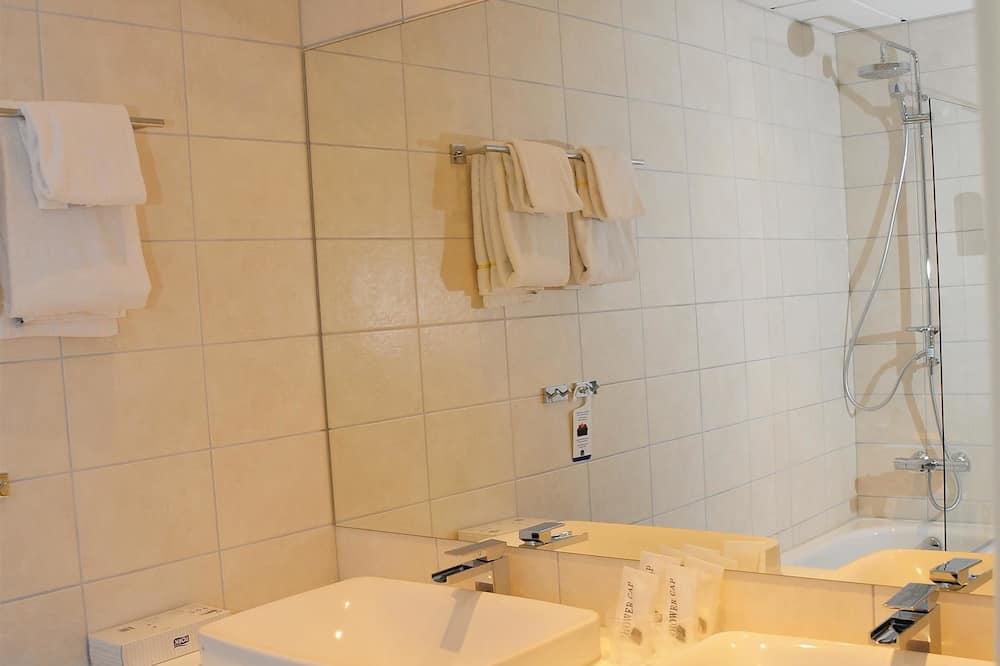 Suite, 1 cama doble, para no fumadores, balcón (Living Room) - Baño