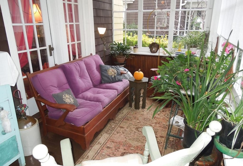 Victorian Bed & Breakfast, Staten Island, Terrace/Patio