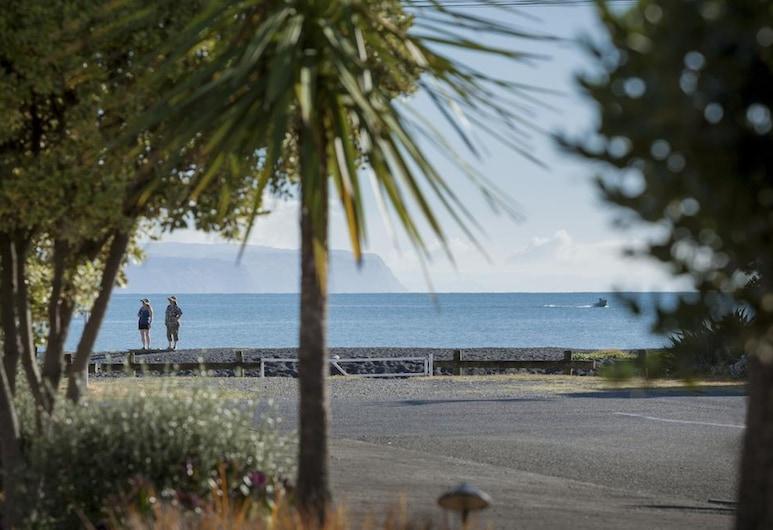 Fairley Motor Lodge, Napier, Paplūdimys