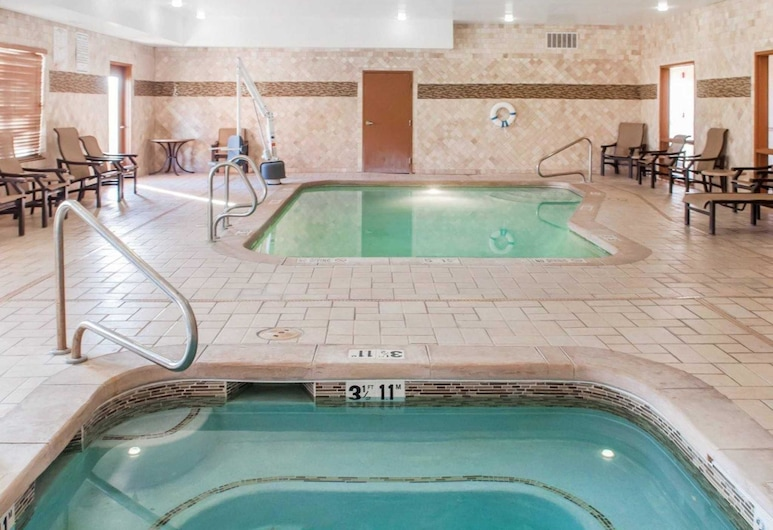 Comfort Suites, Roswell, Pool