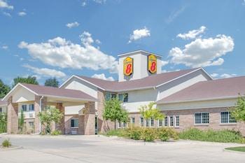 A(z) Super 8 Cedar Falls hotel fényképe itt: Cedar Falls