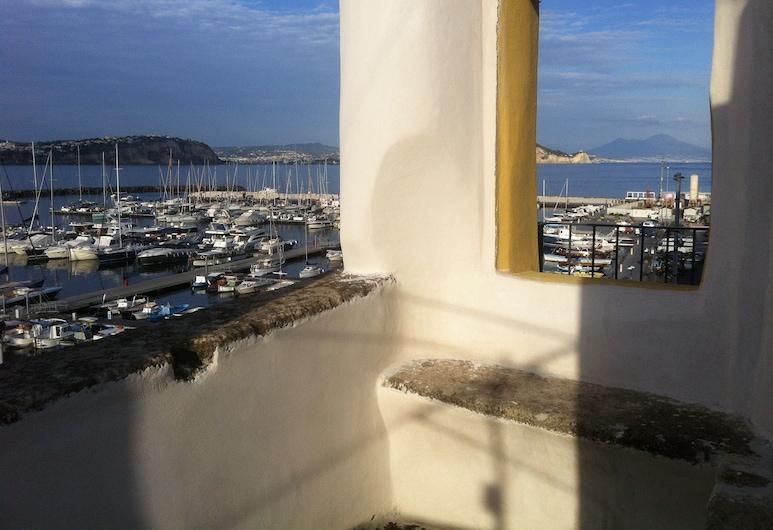 Hotel 'A Sciulia, Procida, Terasa