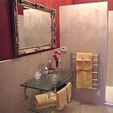 The Cream Room - Bathroom