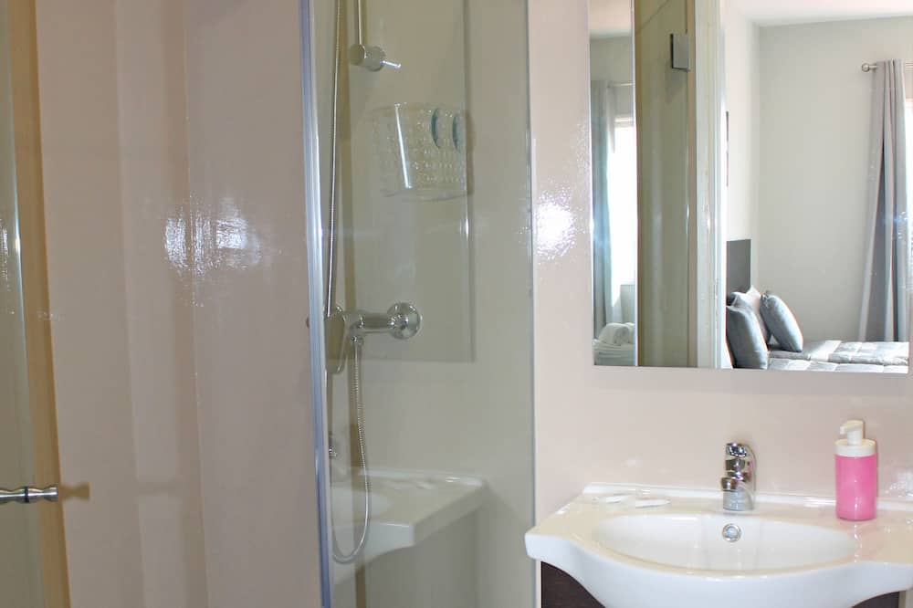 Trokrevetna soba, privatna kupaonica - Kupaonica