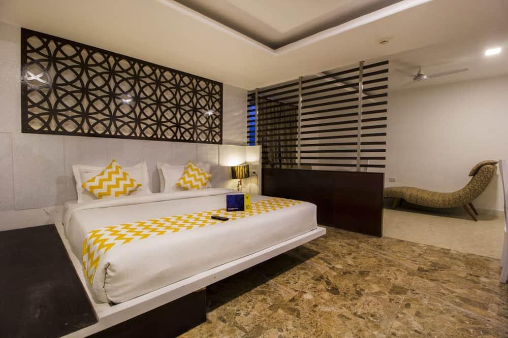 Klove Suite  - Living Room