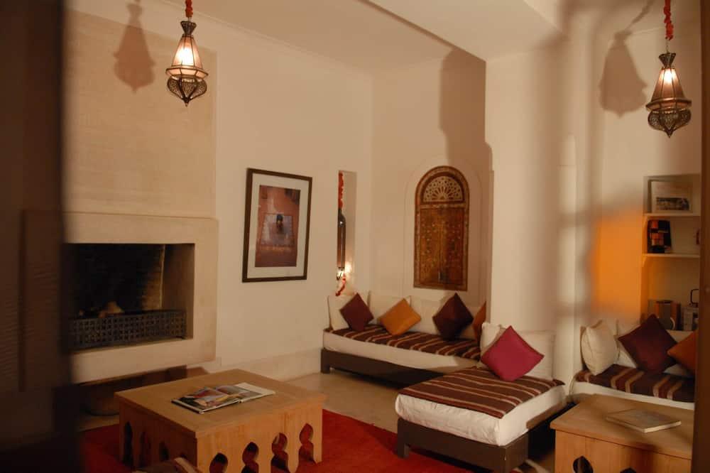 Four bedroom House - Obývacie priestory